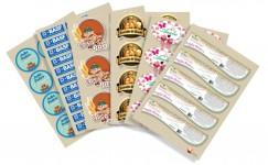 Etiquetas em vinil adesivo com impressão digital em alta qualidade com corte especial destacáveis
